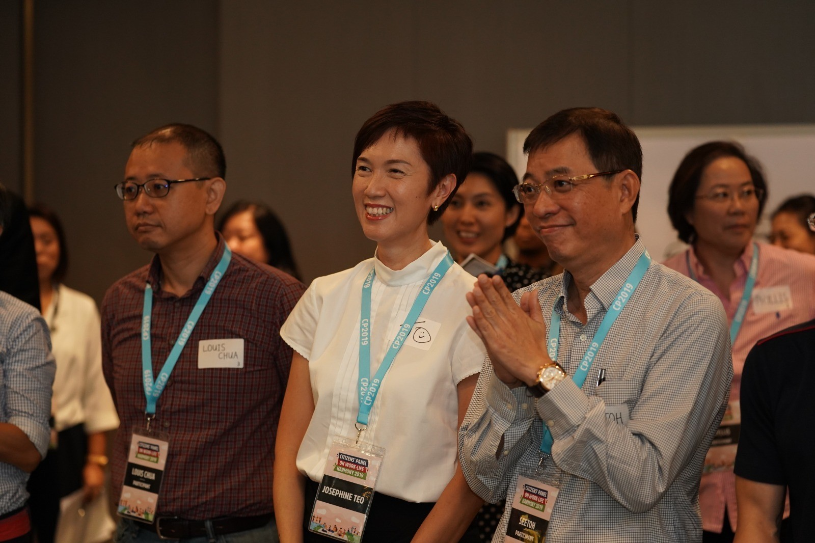 Minister Josephine Teo participating in the introductory activity together with the members of the Citizens' Panel